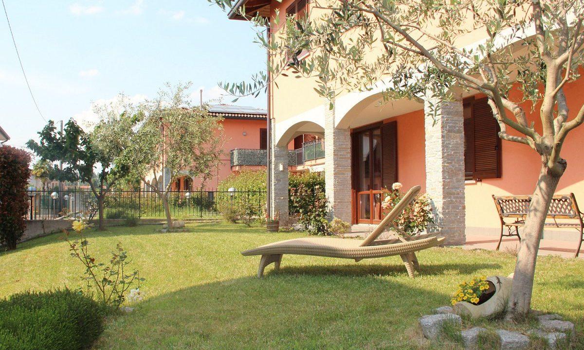 appartamento-quadrilocale-a Venegono Superiore-con giardino (2)