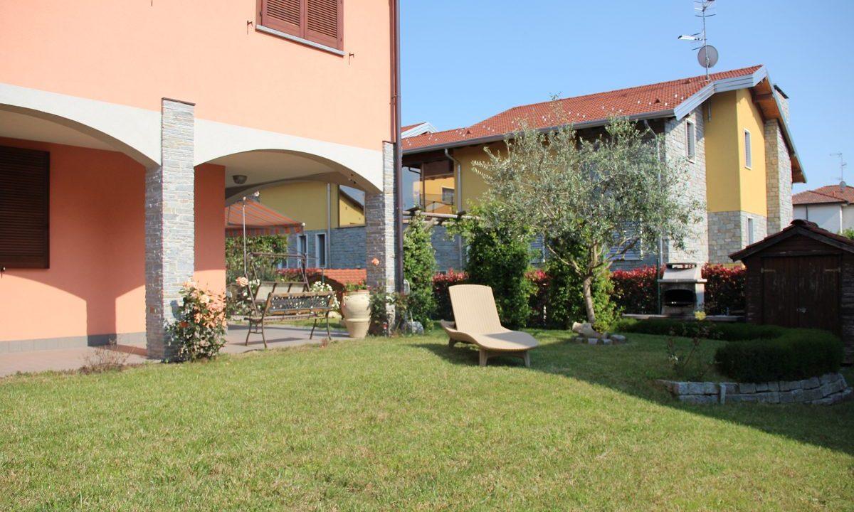 appartamento-quadrilocale-a Venegono Superiore-con giardino (4)