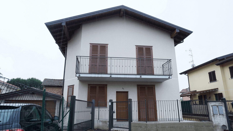 Villetta a Schiera con taverna a Tradate-frazione Ceppine