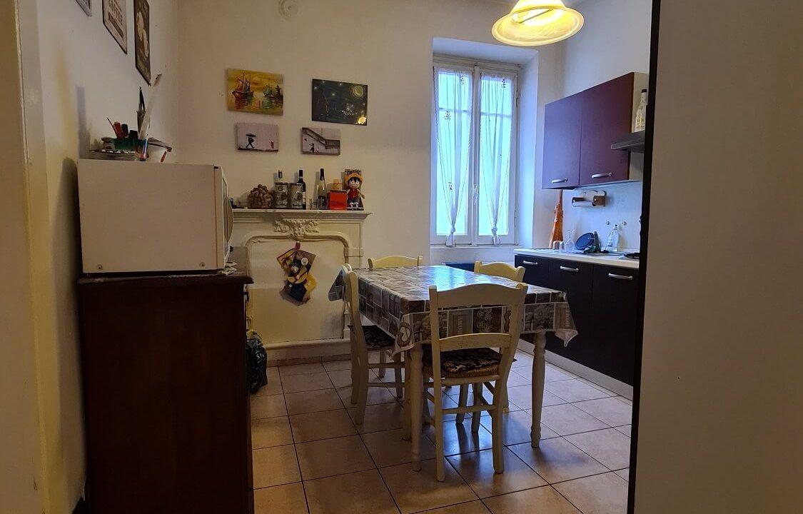 appartamento-trilocale-al primo piano-castiglione olona (7)