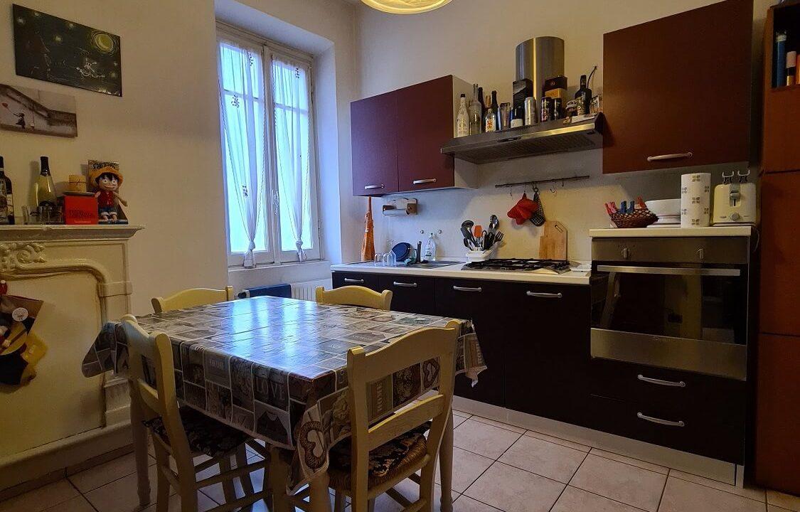 appartamento-trilocale-al primo piano-castiglione olona (9)