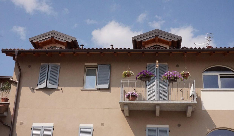 appartamento-trilocale-con doppi servizi-al primo piano-a venegono superiore-classe A (10)