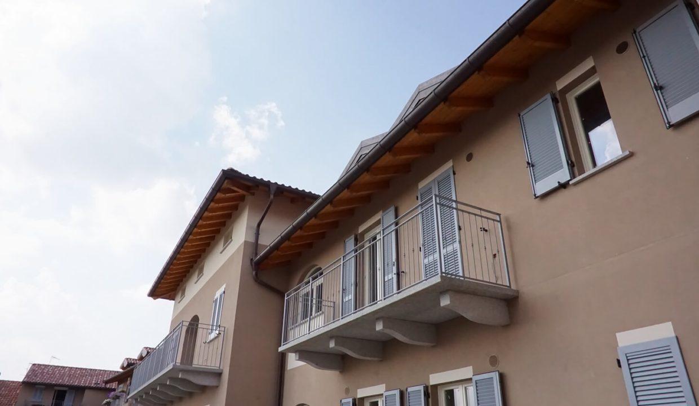 appartamento-trilocale-con doppi servizi-al primo piano-a venegono superiore-classe A (16)