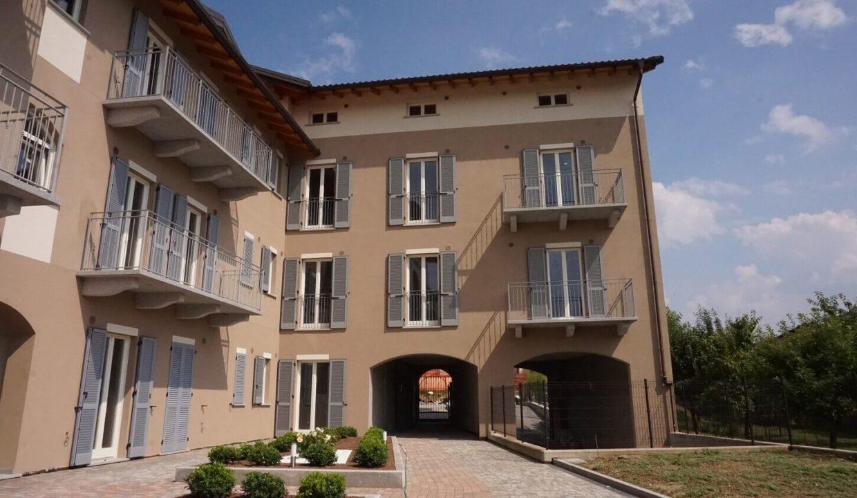 appartamento-trilocale-con doppi servizi-al primo piano-a venegono superiore-classe A (5)