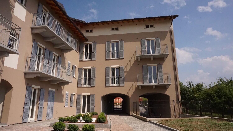 Appartamento trilocale con doppi servizi al primo piano a Venegono Superiore – Classe A