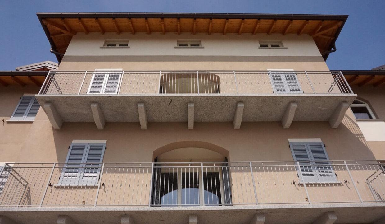 appartamento-trilocale-con doppi servizi-al primo piano-a venegono superiore-classe A (6)