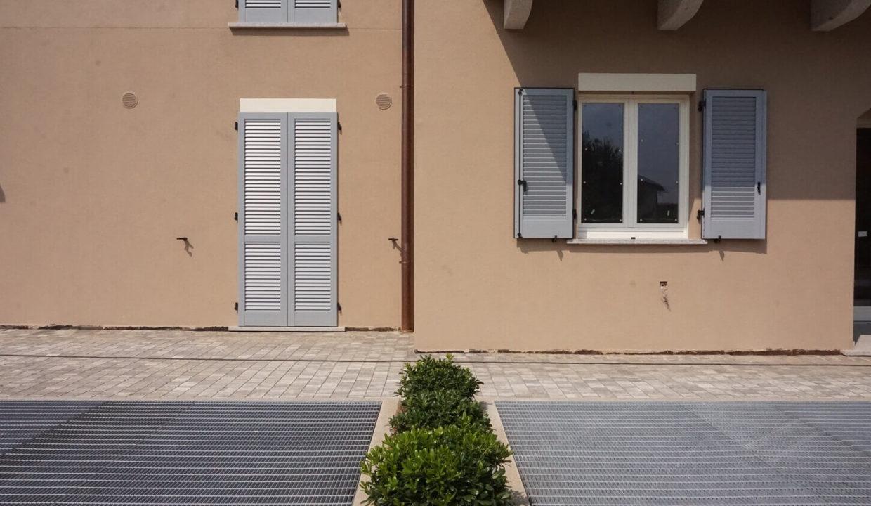 appartamento-trilocale-con doppi servizi-al primo piano-a venegono superiore-classe A (7)