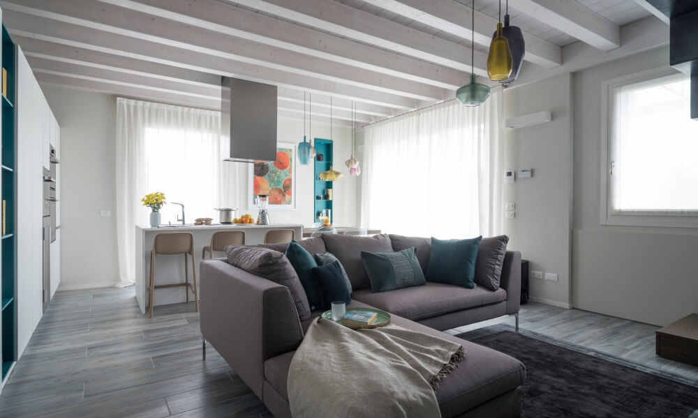appartamento trilocale mansardato-con doppi servizi- terrazzo-a Tradate -in Classe A+ (2)