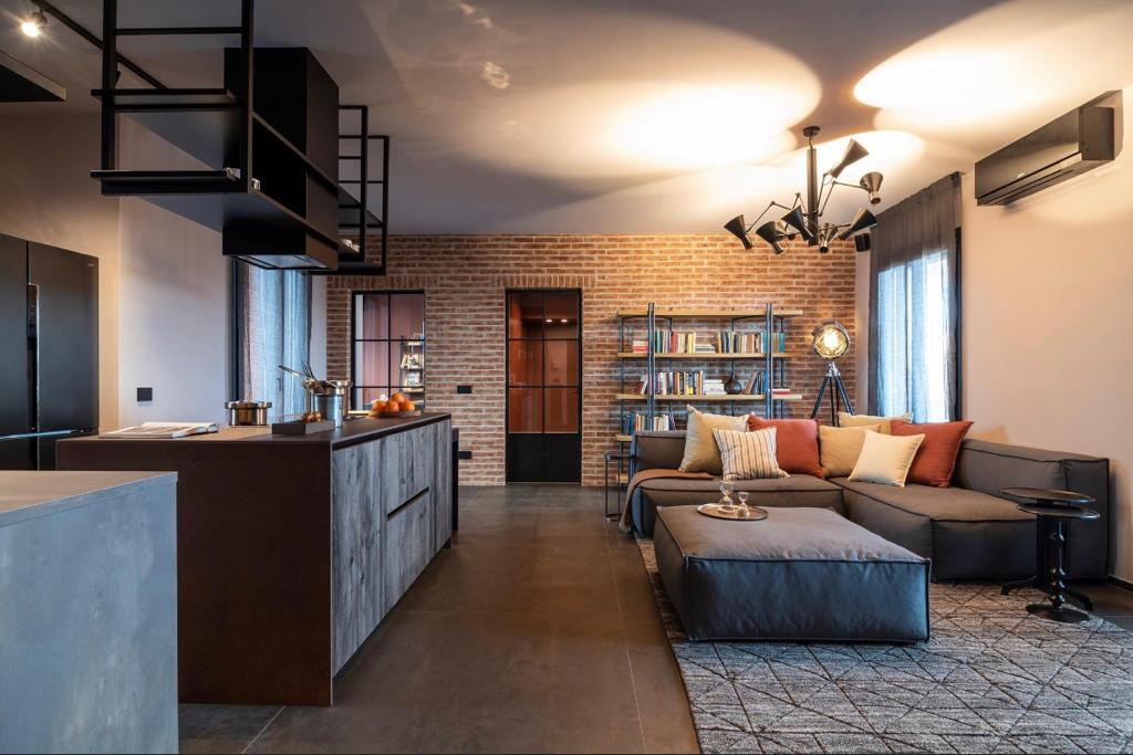 appartamento trilocale mansardato-con doppi servizi- terrazzo-a Tradate -in Classe A+ (3)