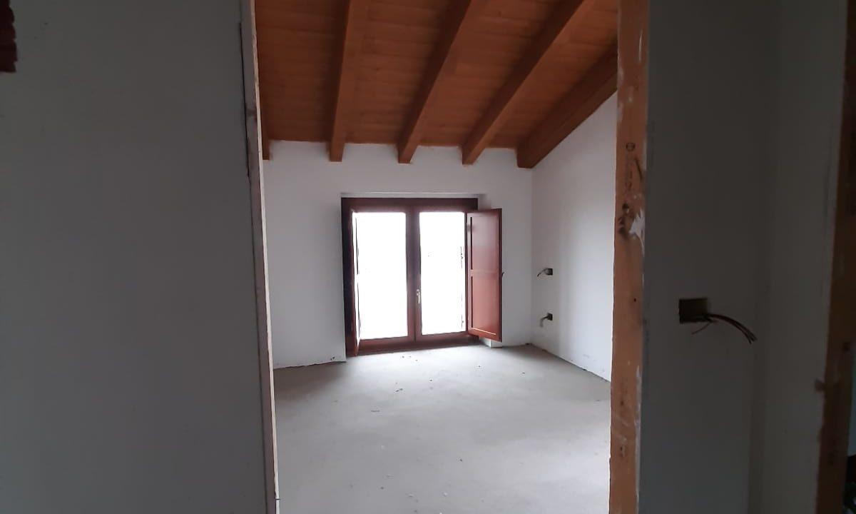 trilocale-masardato-a Venegono Superiore-classe B (14)