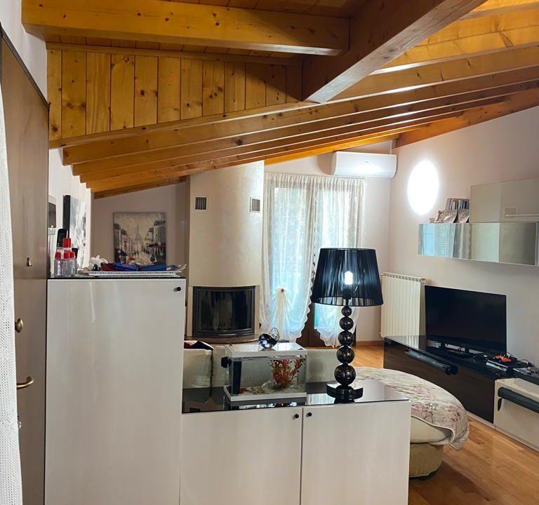 appartamento-trilocale-mansardato-a lonate ceppino (11)