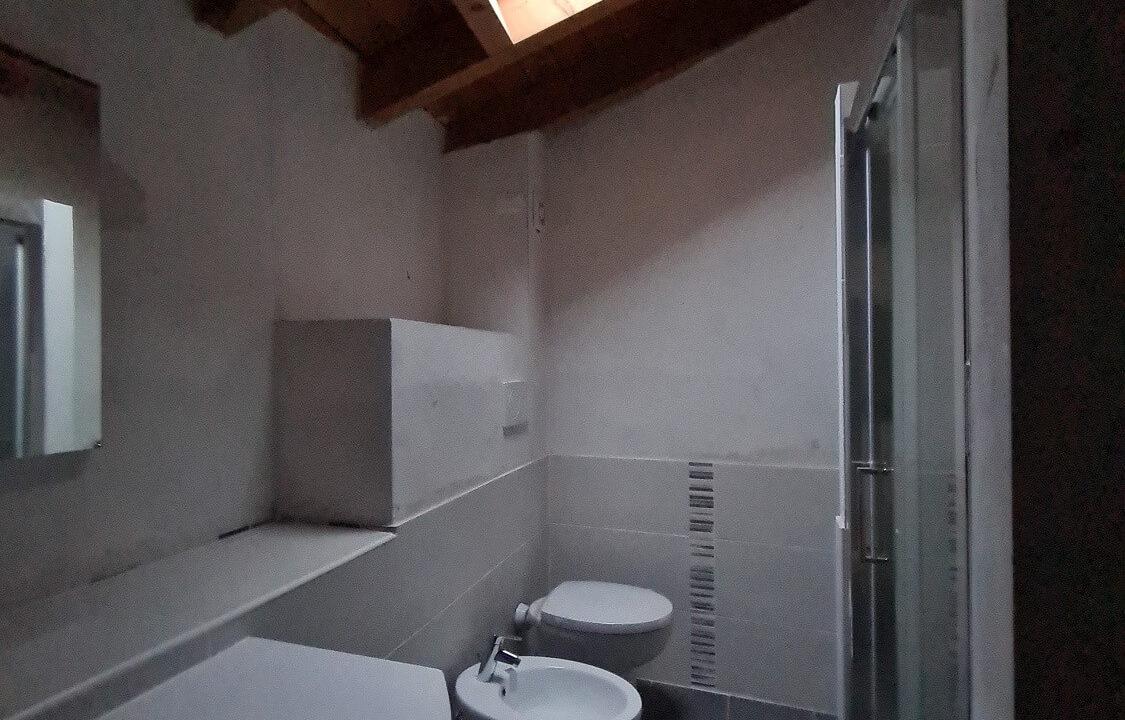 attico-trilocale-mansardato-in classe c-a Gornate Superiore (9)