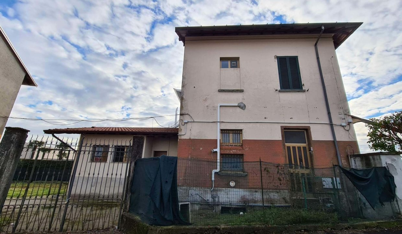 edificio- commerciale-fronte strada provinciale-a Tradate (23)