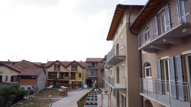 Appartamento trilocale al primo piano a Venegono Superiore – classe A