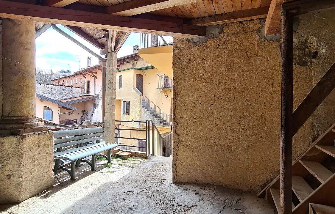 Porzione terra-tetto a Castiglione Olona (50)