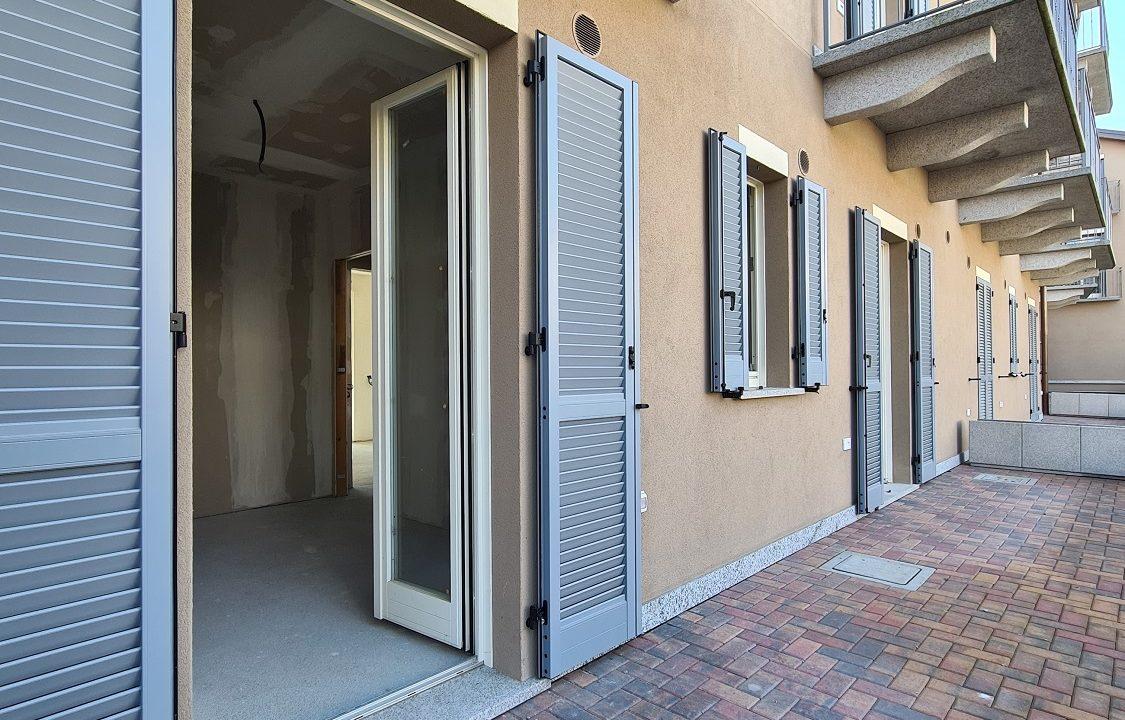 Trilocale-piano terra-con doppi servizi-area esterna-a Venegono Superiore-in classe A (11)