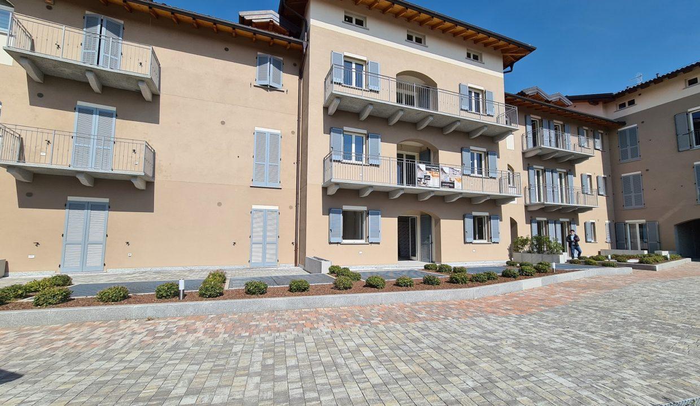 Trilocale-piano terra-con doppi servizi-area esterna-a Venegono Superiore-in classe A (20)