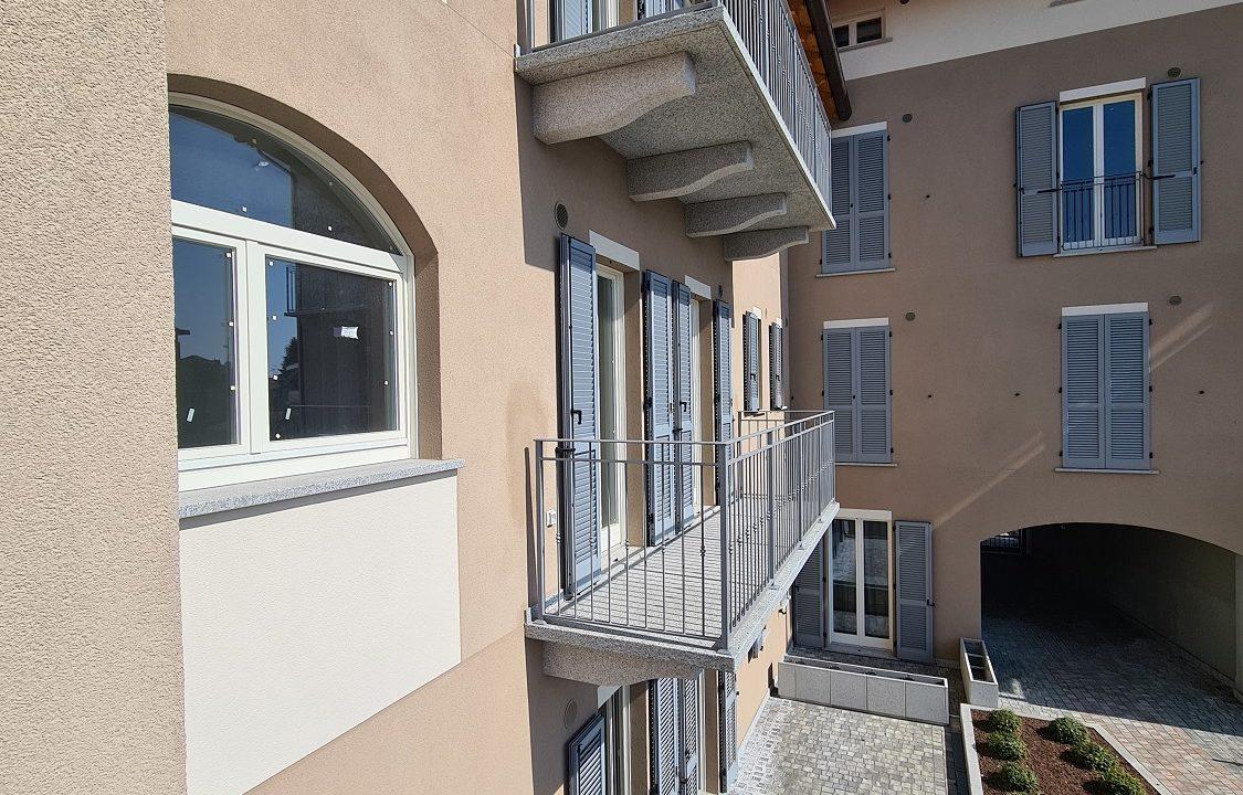 Trilocale-piano terra-con doppi servizi-area esterna-a Venegono Superiore-in classe A (21)