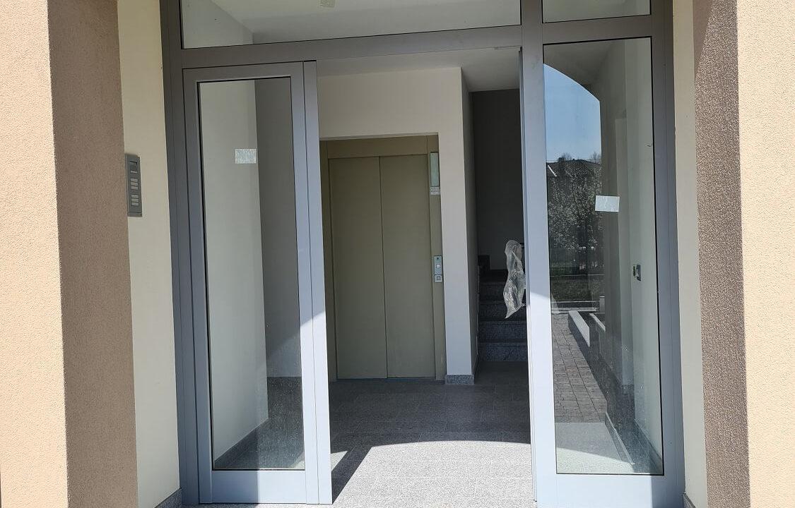 Appartamento-duplex-6 locali-tripli servizi-a Venegono Superiore-in classe A (22)