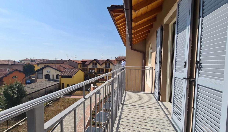 Appartamento-duplex-6 locali-tripli servizi-a Venegono Superiore-in classe A (30)