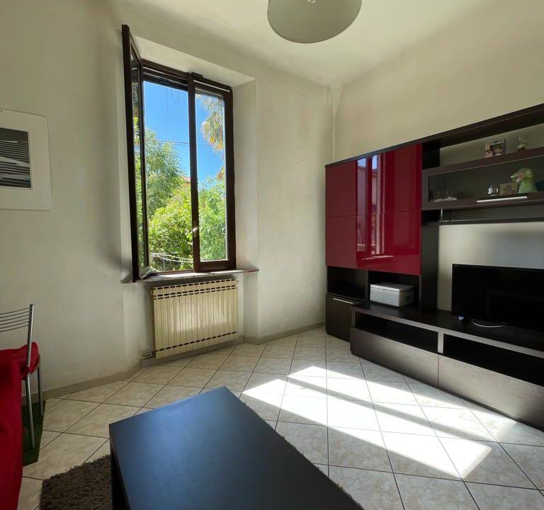 Appartamento-trilocale-con girdino-ad Abbiate Guazzone (1)