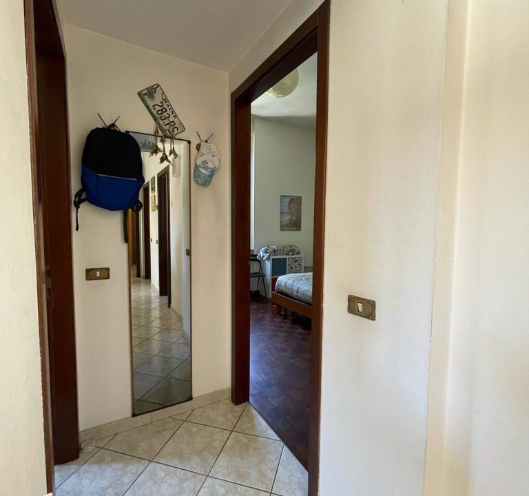 Appartamento-trilocale-con girdino-ad Abbiate Guazzone (17)