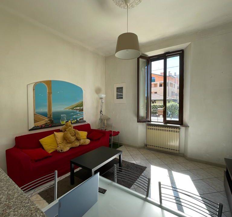 Appartamento-trilocale-con girdino-ad Abbiate Guazzone (3)