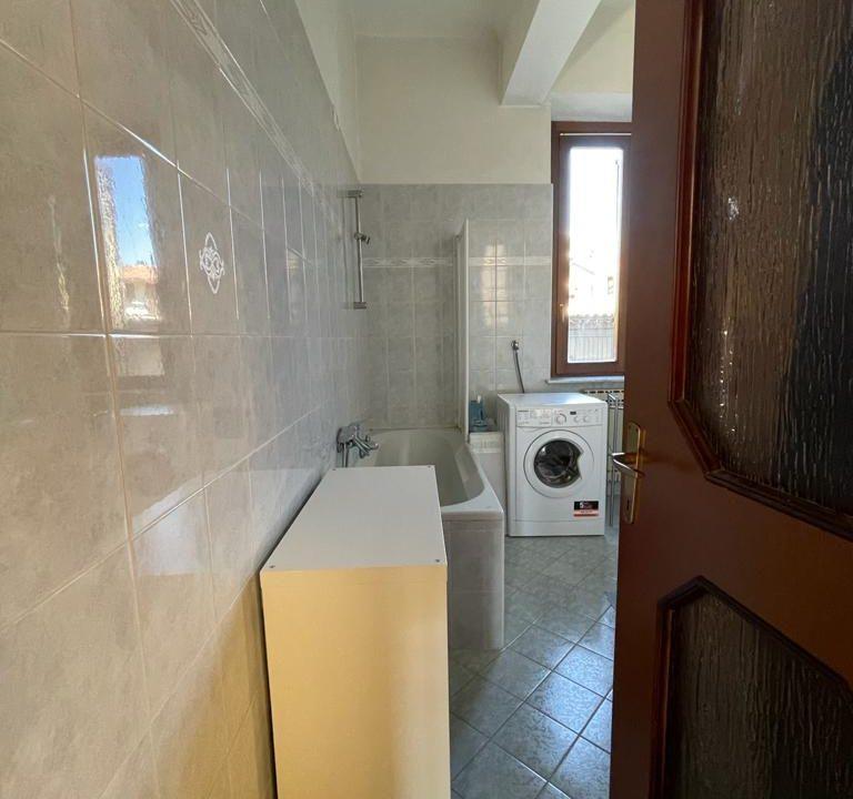 Appartamento-trilocale-con girdino-ad Abbiate Guazzone (4)