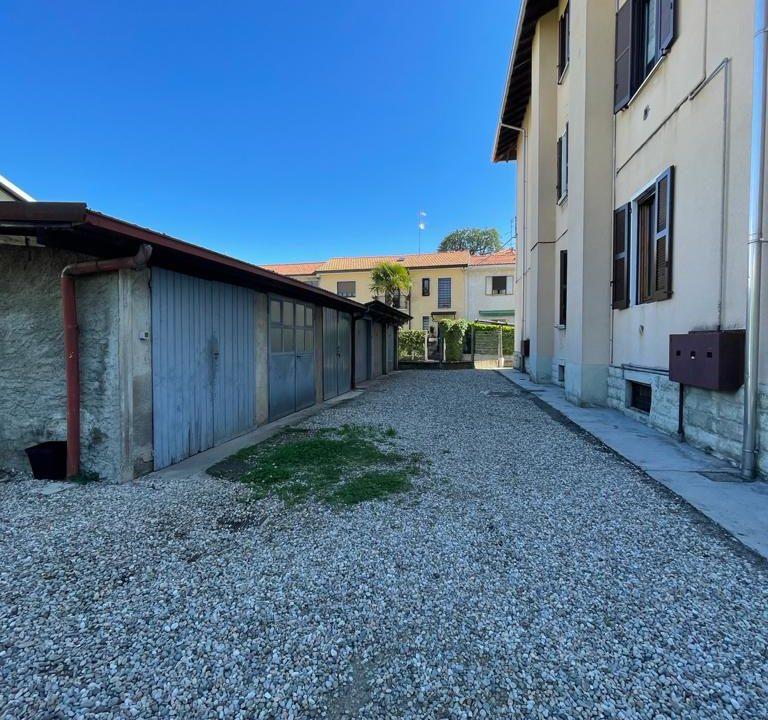 Appartamento-trilocale-con girdino-ad Abbiate Guazzone (7)