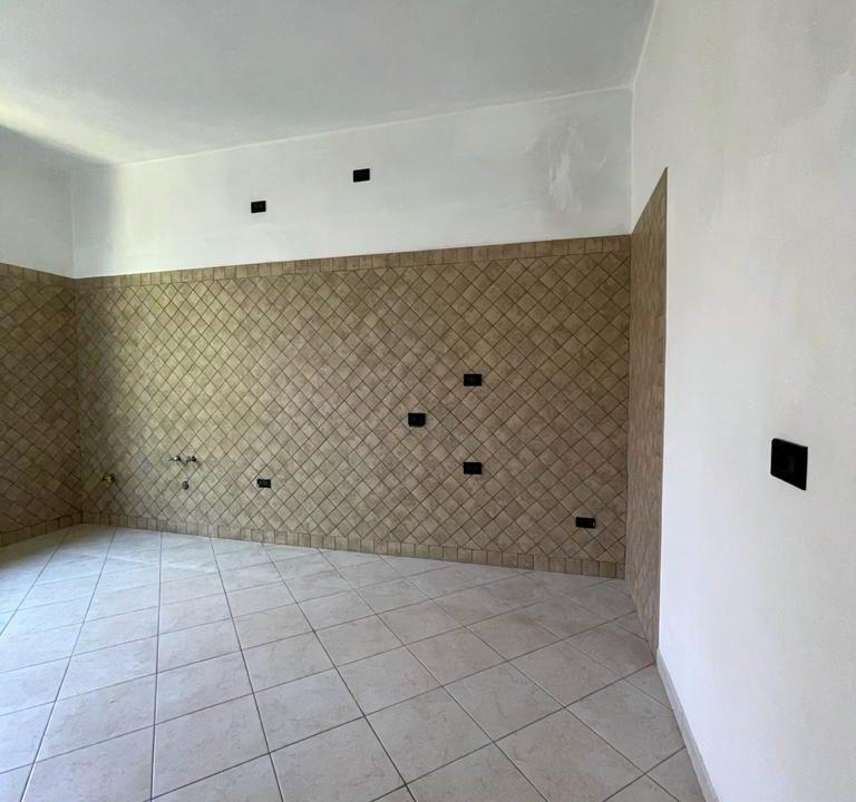 Appartamento-trilocale-con terrazzo-con locale sottotetto (14)