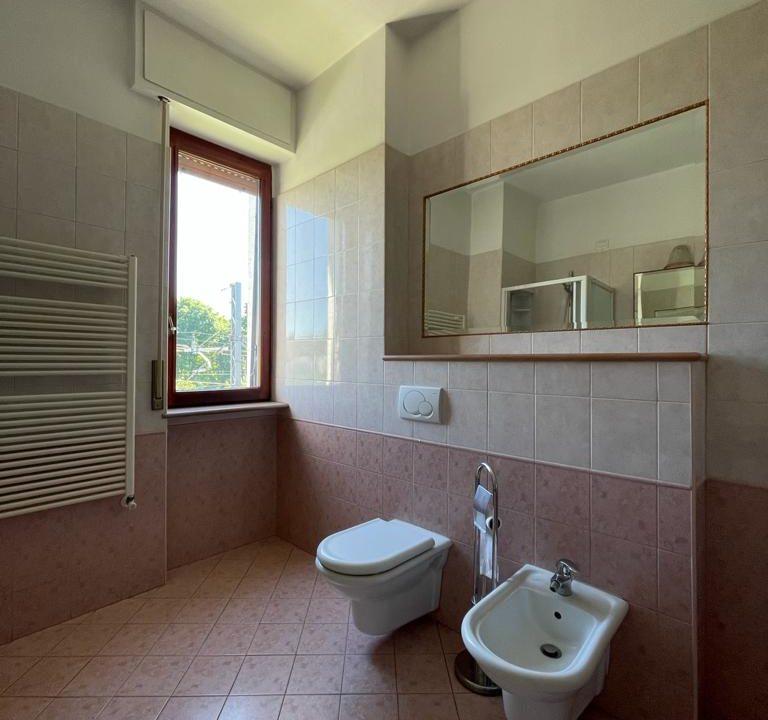 Appartamento-trilocale-con terrazzo-con locale sottotetto (38)