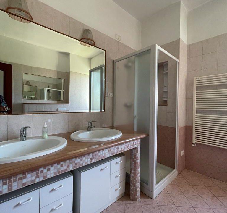 Appartamento-trilocale-con terrazzo-con locale sottotetto (40)