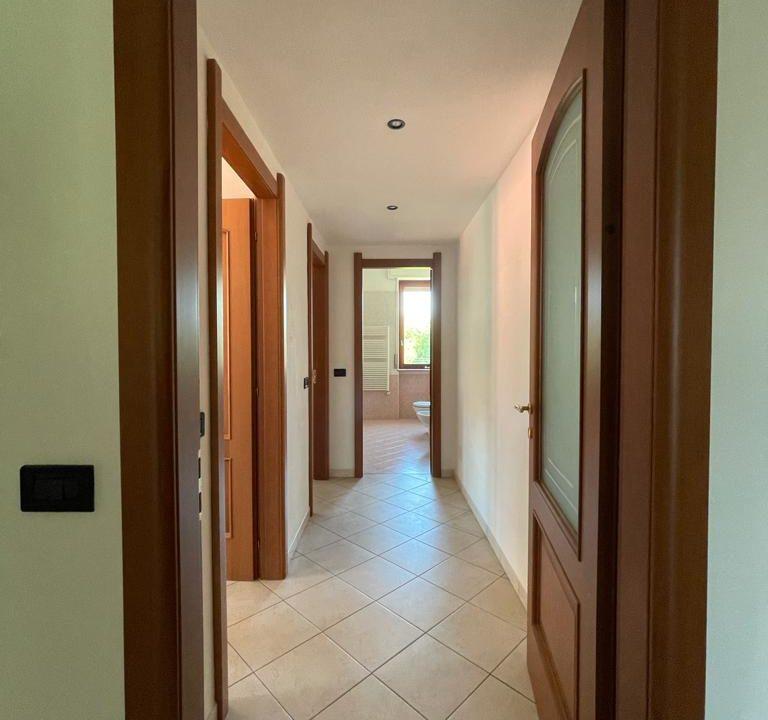 Appartamento-trilocale-con terrazzo-con locale sottotetto (42)