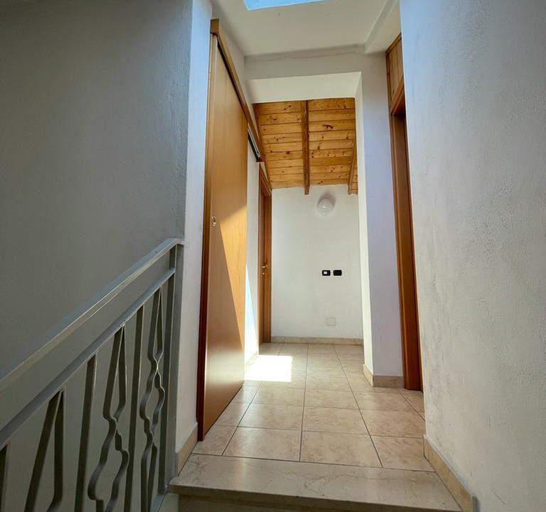 Appartamento-trilocale-con terrazzo-con locale sottotetto (45)