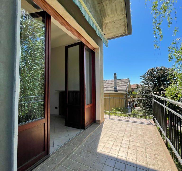 Appartamento-trilocale-con terrazzo-con locale sottotetto (6)