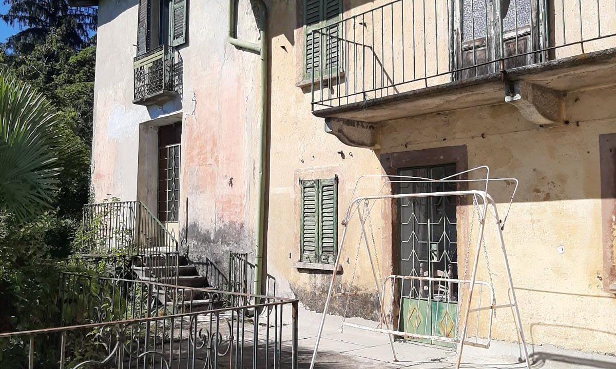 Immobile d'epoca-su 5 livelli-a Sacro Monte di Varese (1)