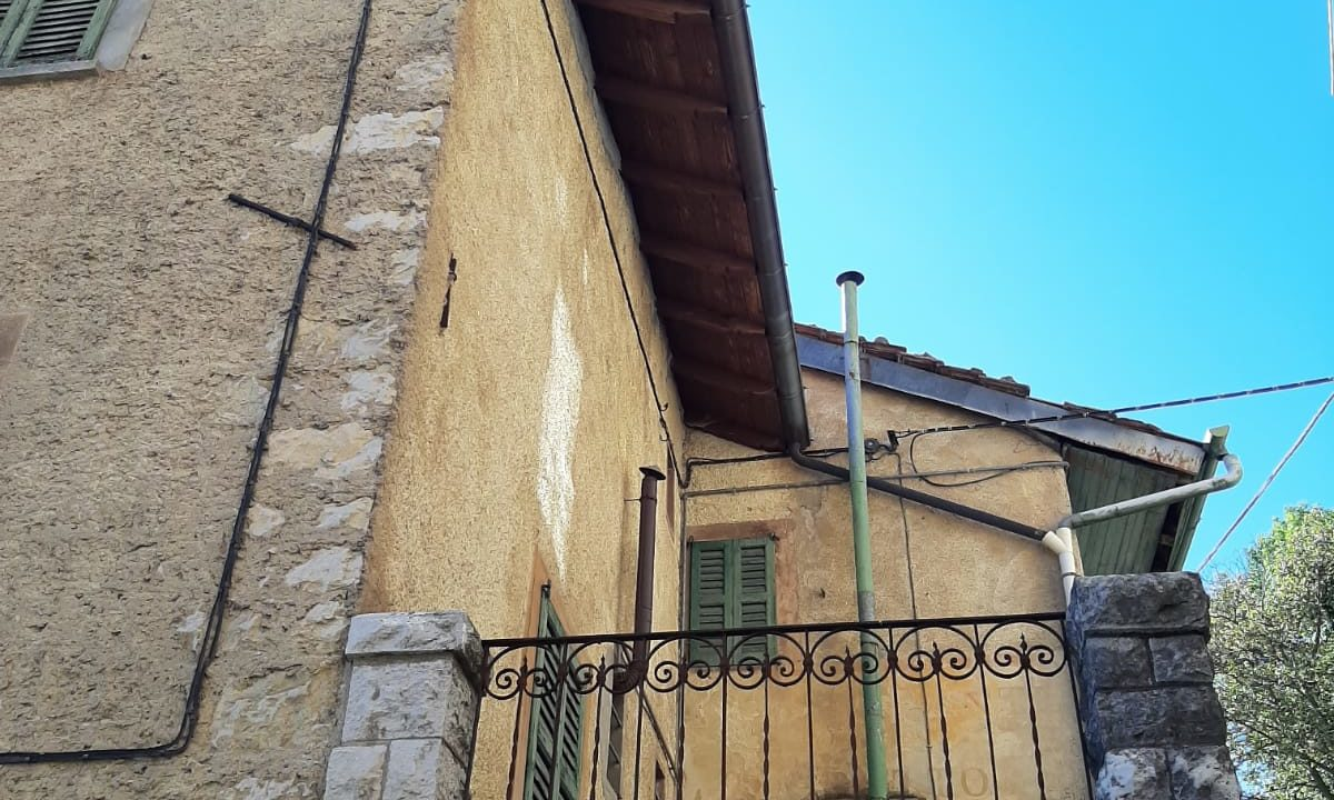 Immobile d'epoca-su 5 livelli-a Sacro Monte di Varese (2)