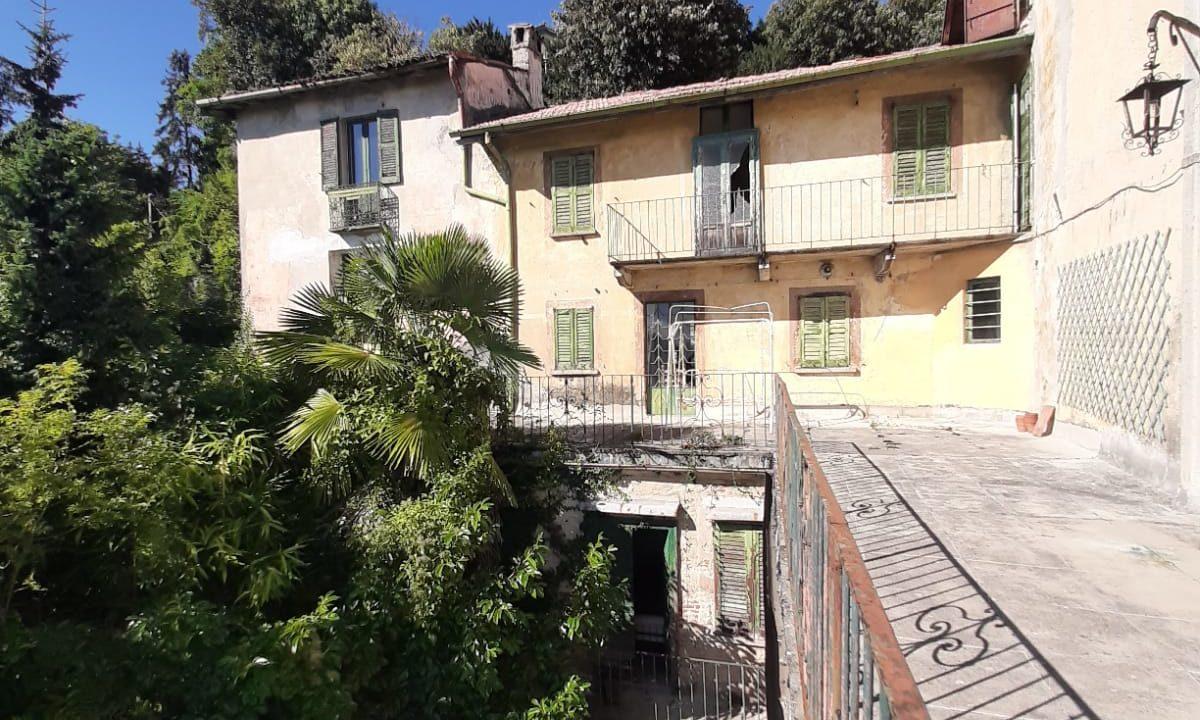 Immobile d'epoca-su 5 livelli-a Sacro Monte di Varese (28)