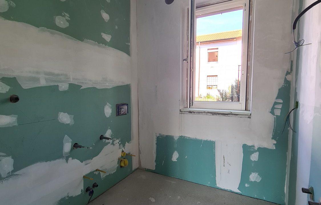 Appartamento-trilocale-al piano terra-con doppi servizi-a Venegono Superiore-in classe A (14)