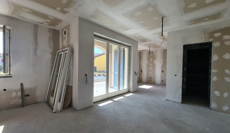 Appartamento-trilocale-al piano terra-con doppi servizi-a Venegono Superiore-in classe A (3)