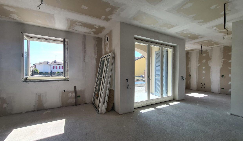 Appartamento-trilocale-al piano terra-con doppi servizi-a Venegono Superiore-in classe A (4)