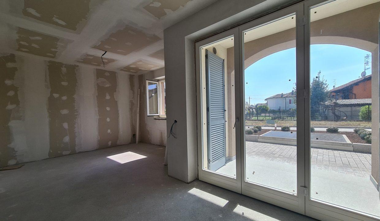Appartamento-trilocale-al piano terra-con doppi servizi-a Venegono Superiore-in classe A (8)