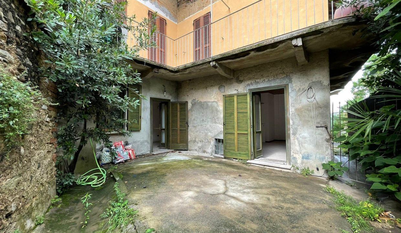 Trilocale-al piano terra-con giardino privato-in centro a Caronno Varesino (81)
