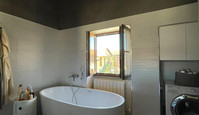 Trilocale-su due piani-a Castiglione Olona (20)