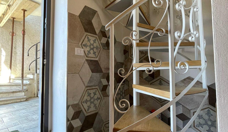 Trilocale-su due piani-a Castiglione Olona (8)